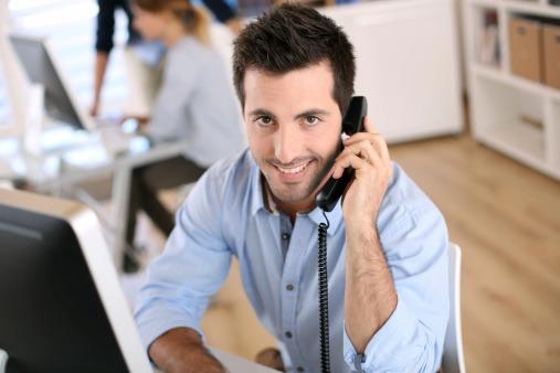 Externaliser l'assistance téléphonique pour optimiser la relation client